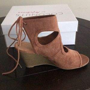 Brown Coconut brand open toe wedges. Size 9
